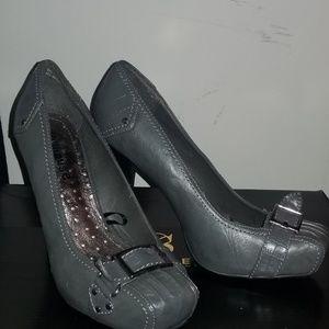 4c298c20e168 mikala Shoes